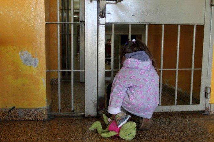 foto-bebelusii-puscariei-fara-copilarie---singurul-proiect-din-tara-care-vizeaza-copiii-nascuti-in-penitenciare-1501134163